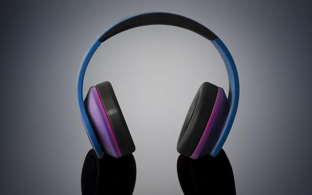 Kopfhörer-Prototyp aus PolyJet-Multimaterial