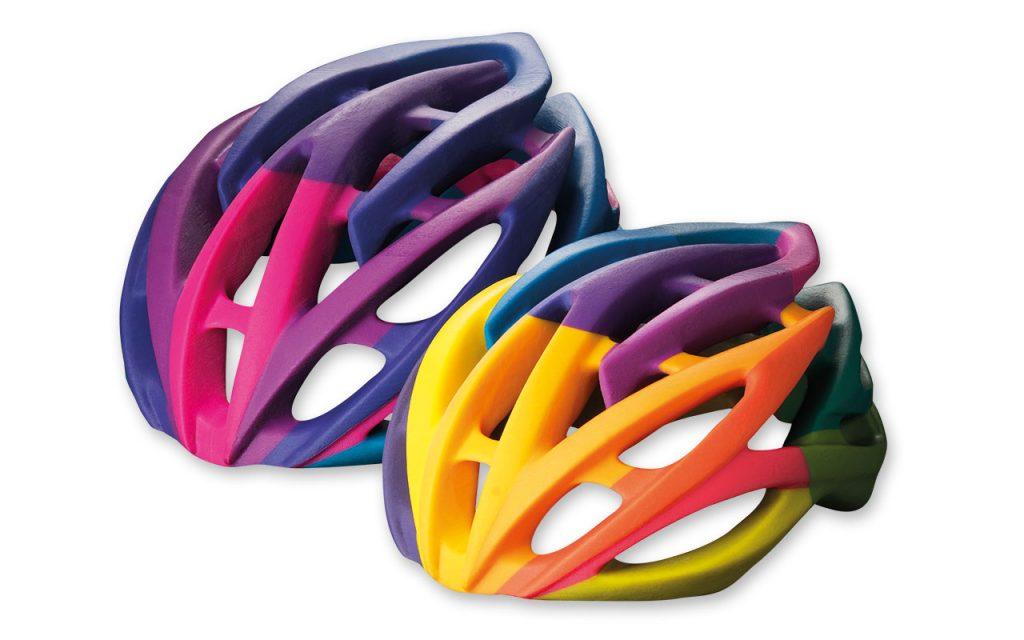 Mehrfarbiger Fahrradhelm aus PolyJet-Material